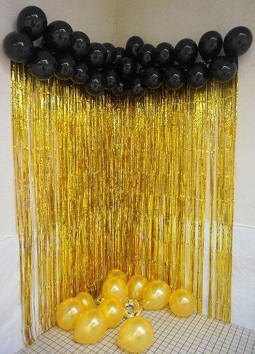 Sur Pinterest Déco anniversaire- thème or et noir – gold party géométrie photobooth